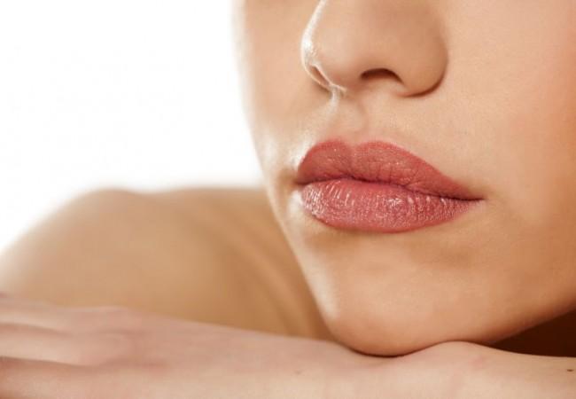 Wie kann man die Lippen mit Hilfe von Hausmitteln vergrößern?